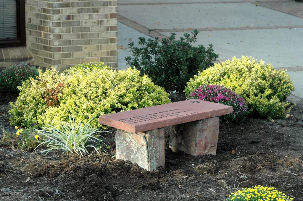 Home memorial garden ideas photograph bergen designs let for Garden memorials for loved ones